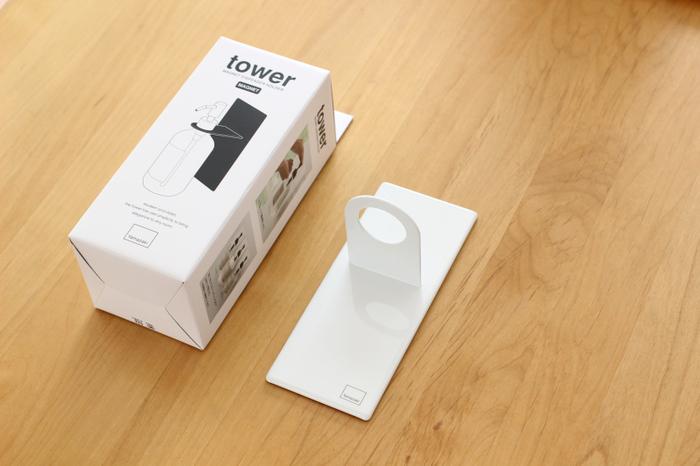夏限定というわけではありませんが、玄関の必須アイテムとなった手指消毒剤。 下駄箱上に置いておくのもいいですが、バスルーム用マグネットホルダーを使って、ドアにくっつけると便利に◎