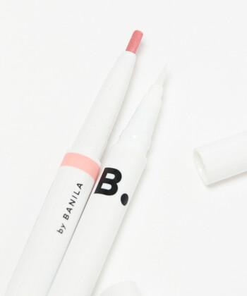 カラーラインとはその名の通り、赤やピンク、グリーンなどの色のアイライナーを使って引くアイラインのこと。アイライナーはブラックやブラウンのイメージが強いですが、実は色鉛筆のように様々な色が販売されています。