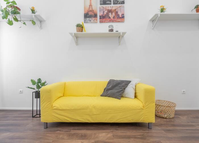 【一人暮らしさんにおすすめのソファ】ほっとくつろげる空間を作ろう
