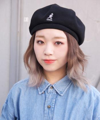 KANGOLのオールシーズンかぶれるメッシュベレー帽は、通気性が良く夏でも使いやすい素材となってます。 男女ともに人気のあるKANGOLのアイテムは、恋人や家族とおそろいで楽しめるので、プレゼントなどにも良いですね。