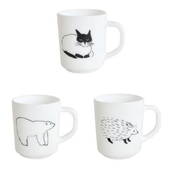 乳白色のミルクガラス(耐熱)を使った動物柄のマグカップ。イラストレーターの「松尾ミユキ」さんの作品です。価格がリーズナブルなのもうれしいポイント。