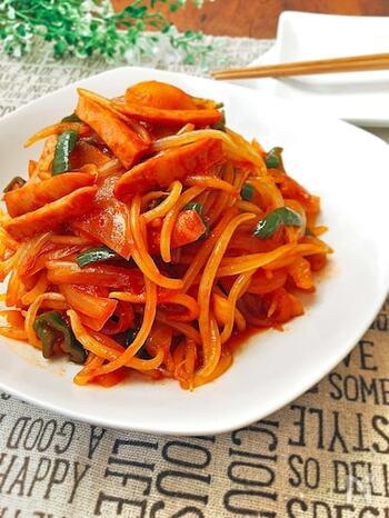 一見普通のナポリタンのように見えるのは、なんともやしのナポリタン。ソーセージや野菜と一緒に炒めても、ちゃんとシャキシャキ感が残ります。最後にマーガリンを入れると味がまろやかになるそうですよ。
