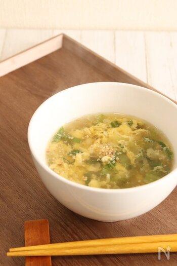 中華だしとしょうゆを使った、基本の中華スープ。今回野菜はチンゲン菜のみですが、長ネギやキャベツなど他の野菜も入れて楽しめます。ふわふわ卵がよりスープをまろやかにしています。