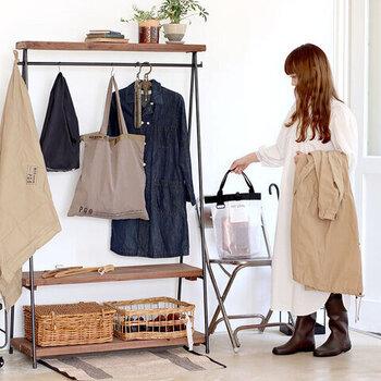 クリアポーチはバッグインバッグとしても優秀!必要なものをまとめて収納でき、透明なのでバッグの中でも欲しいものをすぐに取り出すことができるんです。