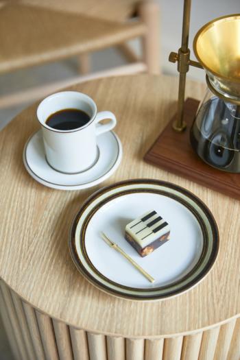 大分県・湯布院にある「湯布院 ジャズとようかん」。表面にピアノの鍵盤が描かれた「ジャズ羊羹」は、お店の看板商品です。