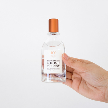 いつも良い香りがする女性って素敵ですよね。憧れるものの、湿度が高い日本では、時に香水の匂いが本人が思う以上にきつく感じてしまうことも。香り文化が人々に深く浸透するフランスで生み出された100BON(ソンボン)のオードパルファンは、天然香料のみを使った軽い付け心地の香水。ナチュラルだけど、単純明快というわけでもなく、奥行きを感じさせる香りは大人の女性にぴったりです。