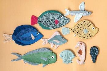 夏はもちろんのこと、冬でも持ち歩きたくなる、スペイン発「Don Fisher」の海の生き物がモチーフの「お魚ポーチ」。