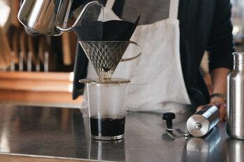 おうち時間が増えて、ドリップする回数が増えている方も多いのではないでしょうか。一枚一枚は小さなゴミでも、塵も積もれば...なので、1000回使えるフィルターで大切なコーヒー時間を楽みたいですね。