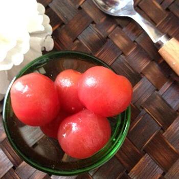 ノンオイルでさっぱりしたトマトのハニーマリネ。甘みがあるので野菜嫌いな子供にもよさそう。お弁当の隙間埋めにも活躍してくれます。