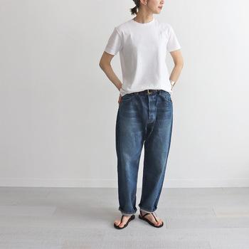 シンプルで上質な「白Tシャツ」7選&おしゃれな大人のコーデ術