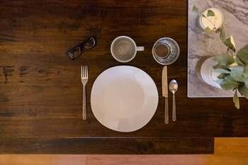 各家庭でもちろんテイストが異なってくるゲスト用の食器。ホームパーティの時は、訪れたうちでどんな食器を使っているのか見るのも楽しみの一つです。
