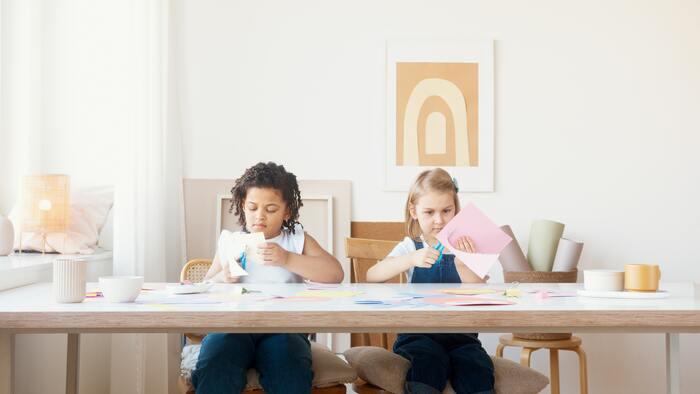 『キッズテーブル』はリビング学習に最適。大人も使えるおしゃれなローテーブル11選