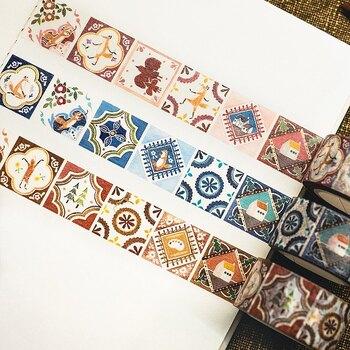 美しいタイルが並んだようなレトロなマスキングテープ。1つ1つ違うデザインのタイルがたくさん並んでいるので、これを貼るだけで華やかな雰囲気に。