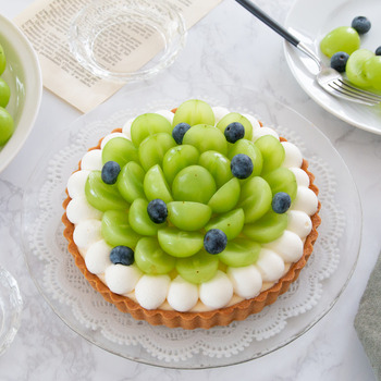 甘い物が苦手なパートナーには、フルーツがメインのケーキを。甘さを調節できるもの、手作りならではですね。