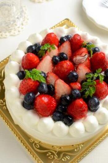 素直に嬉しい手作りケーキ。何にしようか悩んだでしまったら、一緒に食べる時間も楽しめるケーキを作ってみてはいかがでしょうか。お店の様に仕上がらなくても、正に気持ちが嬉しいプレゼントに♡