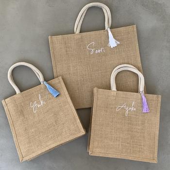 名前の刺繍を入れられるBetter Togetherさんのバッグは、まさにマイバッグにぴったり。コンパクトなSサイズ以外にも、MやLサイズがあります。