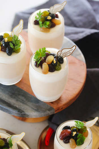 メレンゲを使わない簡単ムース。黒糖と豆乳の優しい甘みが白茶とマッチします。ふわっふわの食感をぜひ楽しんでみてください!
