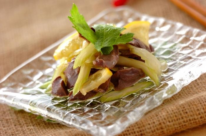 「砂肝とセロリのナンプラー風味」はエスニックな風味でフォーに合います。低脂肪・高たんぱくな砂肝はダイエット中にぴったりの食材。貧血予防に必要な鉄分や新陳代謝を活発にしてくれる亜鉛が豊富なのもうれしいですね♪