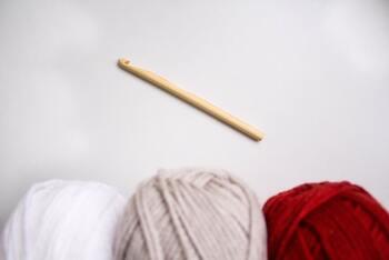 諦めずにできるかも?手のひらサイズの可愛い編み物