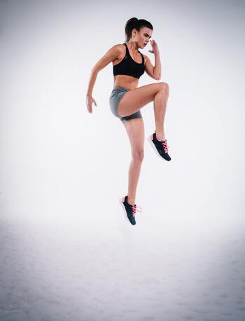 楽しく体を動かそう!トランポリンエクササイズのすすめ