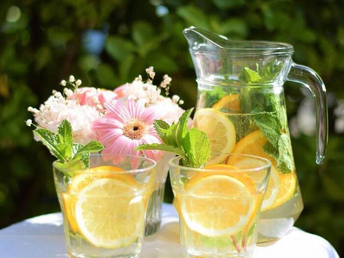 レモンの酸味とオレンジの甘みがさわやかなフレーバー。ミントの清涼感もあり、リフレッシュ効果の高いデトックスウォーターです。