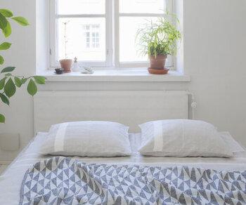 よい眠りのための模様替え。涼し気な夏の寝室インテリア