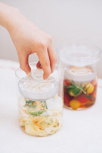 あと一品に便利です【浅漬け】レシピと漬物容器