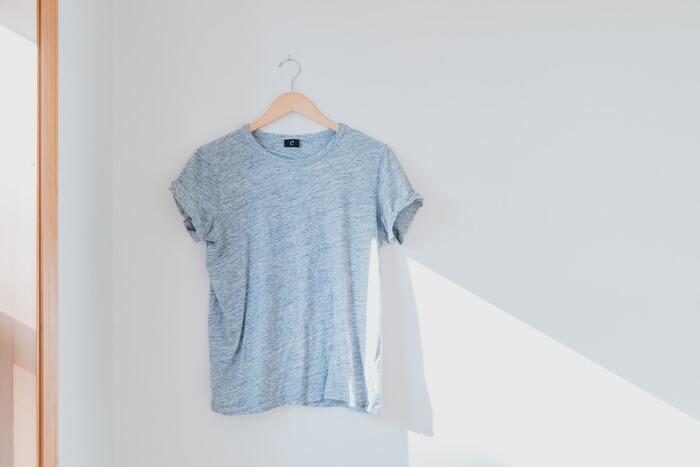 夏のTシャツコーデで気になる汗。大人が知っておきたい5つの対処法