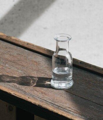 早くから環境への配慮で無鉛のガラス作りに取り組んできた、ドイツのガラスメーカー製です。シンプルな形で親しみやすい雰囲気が日常使いに丁度いいカラフェです。