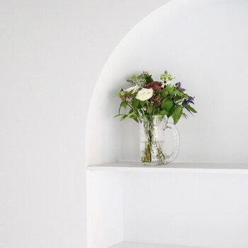 安定感があるので、ちょっとボリュームのあるお花を活けても素敵です。アジサイなど、大きめのお花もすんなりと受け止めてくれます。