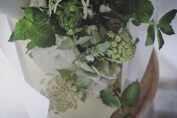 ひとつひとつの花の特性を理解し、きちんと引き立て合うようにアレンジされた花束たちからはどれも美しい表情が。そのままお部屋に飾れるアレンジメントも素敵ですね。