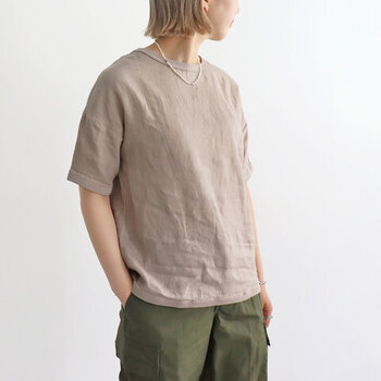 「maillot(マイヨ)」の夏の定番、リネンシャツTee。オリジナルファブリックのリネンオックス素材を使用。