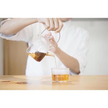 和紅茶は、「べにふうき」に「やぶきた」、「香駿」がブレンドされています。どれも東白川村で丁寧に栽培された茶葉で、スッキリと優しい味わいと華やかな香りが特徴です。