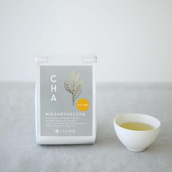 フレーバーティーは紅茶に限ったことではありません。すっきりとした緑茶に、国産みかんの果皮とイタリア産ベルガモットをブレンドしたフレーバーティーです。