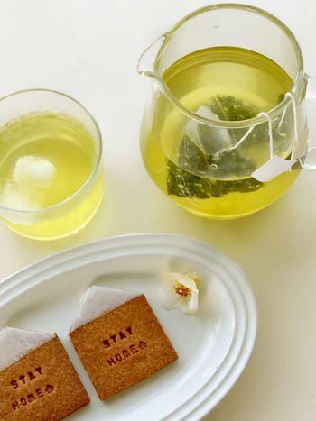 お湯出しで豊かな香りを楽しめるのはもちろん、水出しですっきりと爽やかな味わいも楽しめます。いつもと違う緑茶を楽しみたい時にぴったりのティーバッグです。