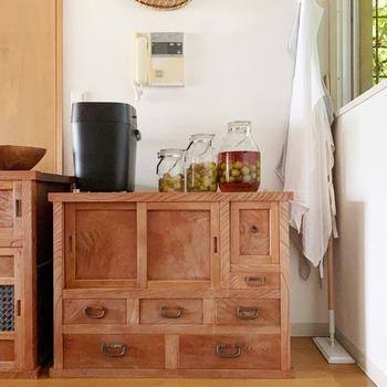 格子、ガラス戸など…和の意匠が美しい「和家具」のすすめ