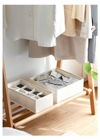 ナチュラルな色合いとシンプルなデザインで、見せる収納にもおすすめです。着替えるついでに、ハンカチをさっと取り出せますね。