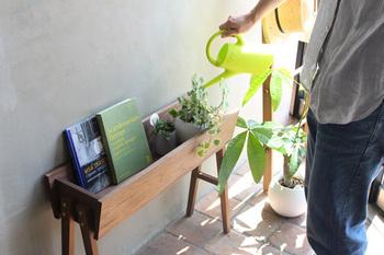 思い切ってグリーンスペースを作るならこちらがおすすめ! お部屋に置けるプランターボックスです。植物と一緒に、ちょっとした本棚として使ってもおしゃれ。