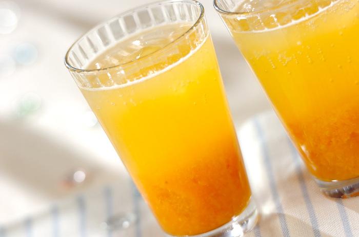 ペースト状にしたアンズを炭酸水で割ります。アンズペーストはヨーグルトにかけてもgood!優しい甘さが体に染み渡ります。 <約74kcal>