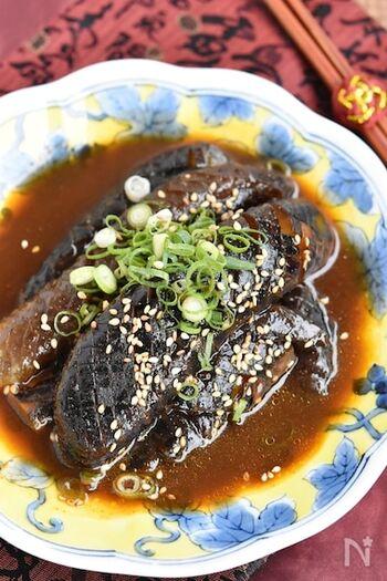 ピリ辛で食感はとろとろでやわらかい韓国風の煮びたし。冷蔵保存で2日ほど持つので、辛いものが食べたくなる暑い時期には、冷たいままいただいても食欲がすすみそう。