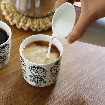 電子レンジも使えるので、ミルクを温めてそのままミルクピッチャーとして使えます。注ぎ口付きなので液体を注ぎやすい。