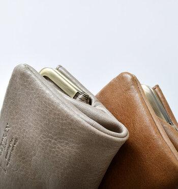 財布を買い替えるときは、「寅の日」や「巳の日」も要チェック!「寅の日」は、虎が千里の道を一日で往復できるという意味のことわざに由来して、使ったお金が戻ってきてくれると言われる吉日です。また、「巳の日」は、蛇が弁財天の使いで縁起の良い動物と考えられているため、金運アップが期待できます。