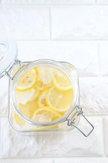 レモンシロップも梅シロップと同様の作り方で作ることができますよ。