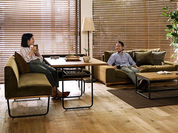 リビングとダイニングの一体感を大切にしたレイアウトは、食事以外の時間にも寛いで使えるのが魅力。リビングにいる家族と会話したり、一緒にテレビを見たりと、コミュニケーション度もUPします。