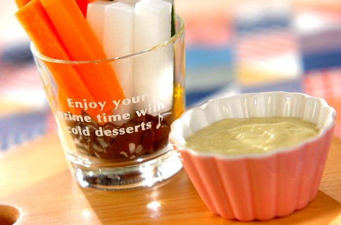 豆乳で作るヘルシーなマヨネーズソース。さっぱり風味がおいしくて、野菜をいくらでも食べられます。卵を使用していないので、アレルギーの人にも◎
