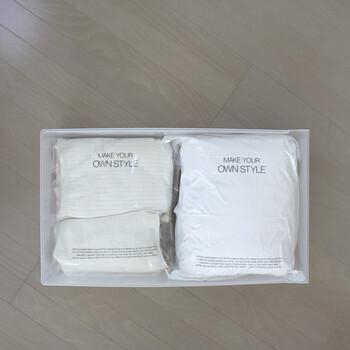 こちらの実例では、100均の圧縮袋に入れたニットを無印の引き出しに収納しています。ちょうど2つがきれいに並んでいますね。ぺたんこにするとニットが傷んでしまうので、適度に空気を抜いて嵩を抑える程度にするのがおすすめです。
