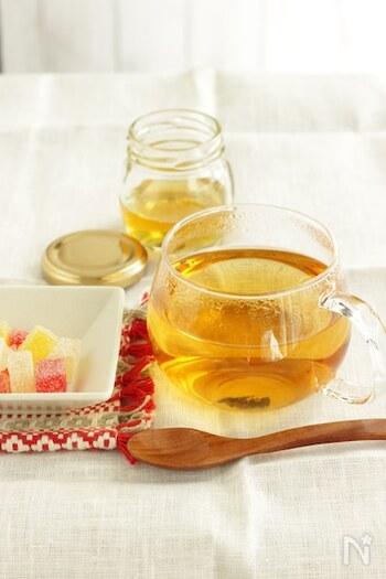体が冷えがちだな、と思ったら冷たい飲み物はお休みして温かいお茶にしましょう。体を温めてくれる生姜を使ったジンジャーティーは冷え取りにはぴったりですね。