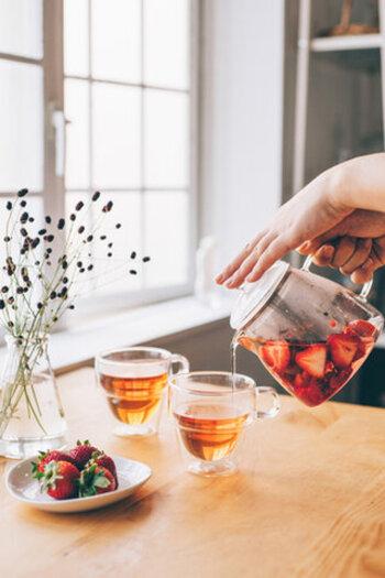 耐熱ガラスの草分け的存在「HARIO(ハリオ)」のダブルウォールグラス。耐熱ガラスで出来ているので、冷たい飲み物はもちろん、熱湯でも使用可能。