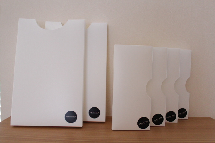 こちらは、「mon・o・tone タテ型ゴミ袋用ケース」と言う名前の消耗品ケース。