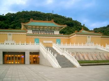美術館のもうひとつの楽しみ♪「ミュージアムショップ」を覗いてみよう
